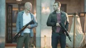 O detetive John McClane viaja para a Rússia para ajudar seu filho, Jack. Já no país ele descobre que o rapaz trabalha para a CIA e está tentando evitar uma guerra nuclear. Pai e filho então se juntam para combater as forças inimigas.
