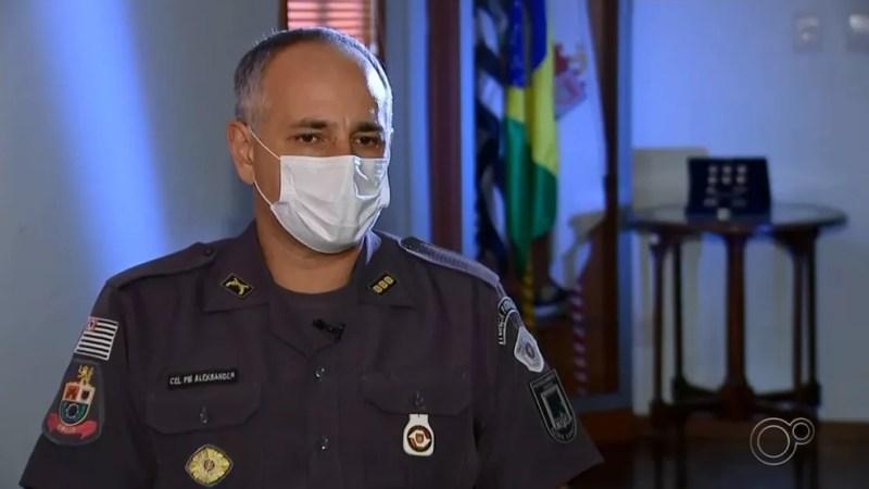Coronel da PM de São Paulo, Aleksander Lacerda, foi afastado do CPI-7, em Sorocaba (SP), após incentivar ato pró-Bolsonaro e atacar o STF — Foto: Reprodução/TV TEM