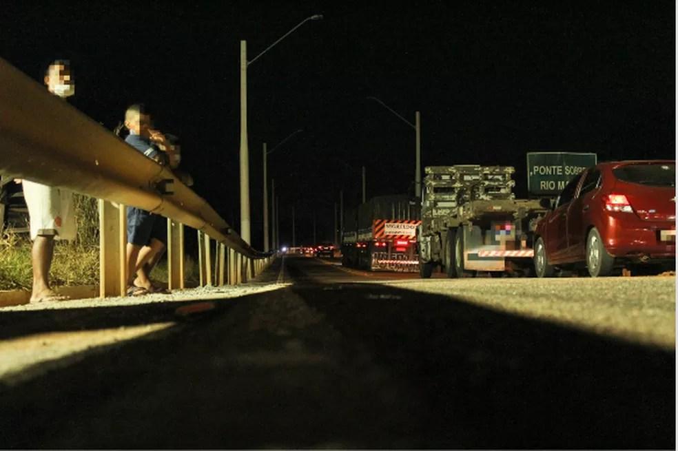Ponte sobre o rio Madeira antes das luzes serem acesas — Foto: Armando Junior/Rede Amazônica