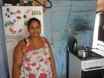Sara quer sair da Vila Becker, mas não aceita a casa da Cohapar (Foto: Bibiana Dionísio/ G1 PR)