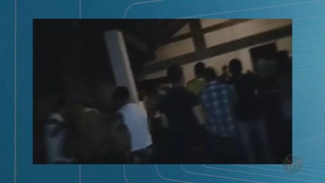 Imagens mostram confusão em Taquaritinga, SP (Foto: Reprodução/EPTV)