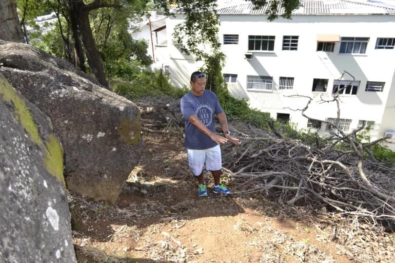 Ronaldo Monjardim retornou ao local onde encontrou o corpo de Araceli quase 42 anos depois (Foto: Viviane Machado/ Arquivo G1)