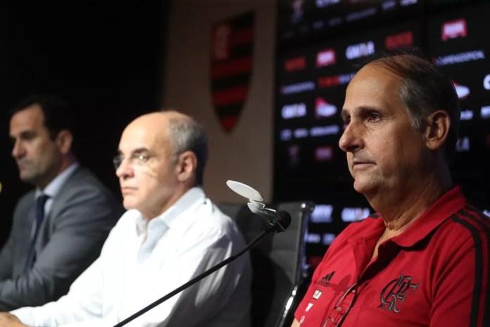 Ricardo Lomba, Eduardo Bandeira de Mello e Carlos Noval (Foto: Gilvan de Souza / Flamengo)