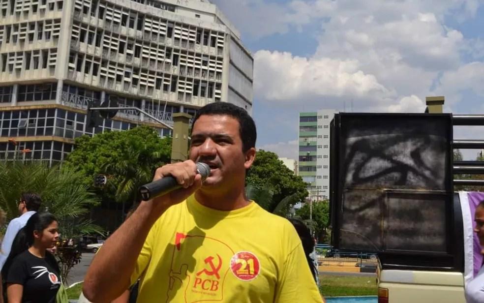 Professor Antônio Vieira é candidato pelo PCB à Prefeitura de Goiânia — Foto: Reprodução/Facebook