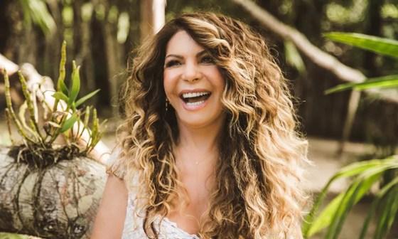 Elba Ramalho é a principal atração da véspera de São João em Campina Grande — Foto: Divulgação