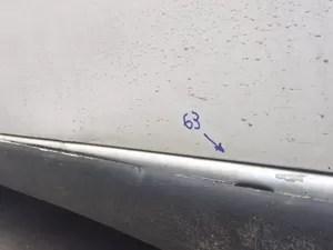 Perícia mostra marca de 63 tiros em carro dos jovens (Foto: Matheus Rodrigues/G1)
