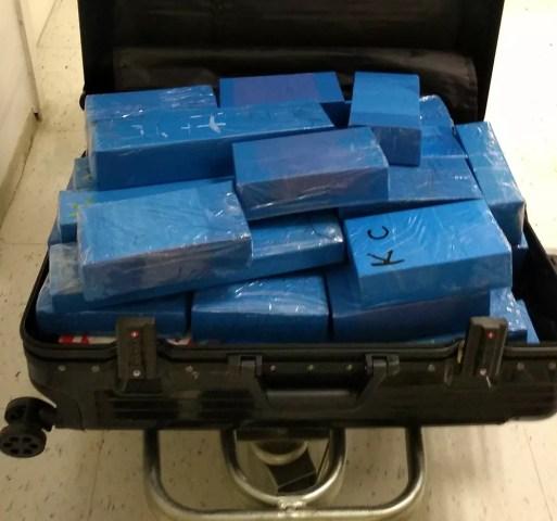 Iphones importados de forma irregular foram apreendidos no Aeroporto de Natal — Foto: Receita Federal/Divulgação