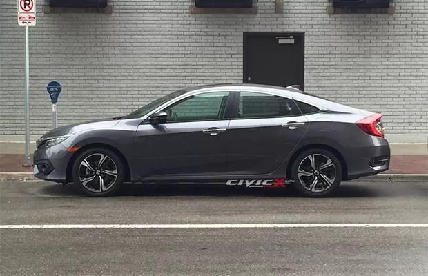 Perfil do novo Honda Civic tem jeito de cupê fastback (Foto: Reprodução)