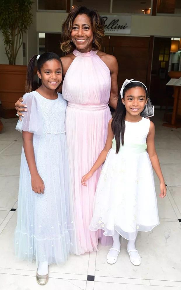 Glória Maria com as filhas (Foto: Leo Franco / AgNews)