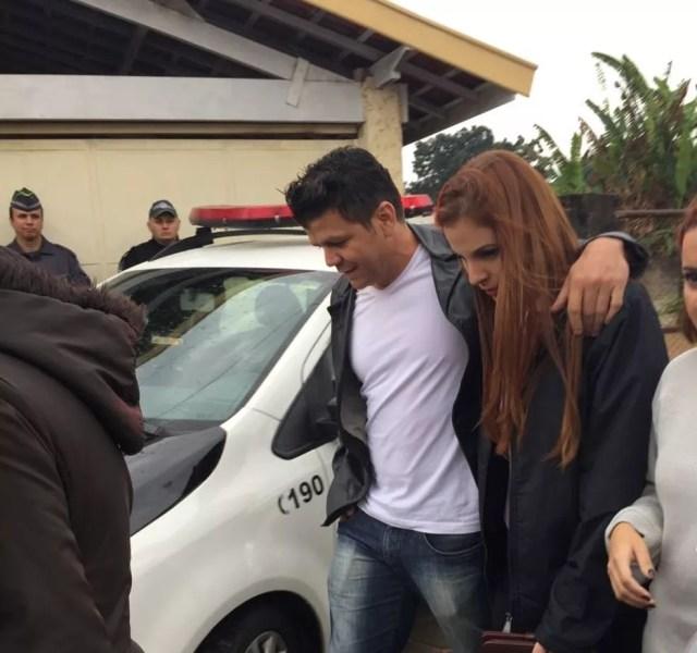 Suzane deixa a prisão para saída temporária de 'Dia dos Pais' (Foto: TV Vanguarda/Vanessa Vantine)