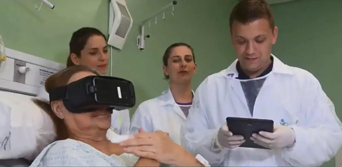 b809ceacd ... com que pacientes se sintam fora do ambiente hospitalar por alguns  momentos. Tecnologia de óculos de realidade virtual ajuda pacientes  hospitalizados