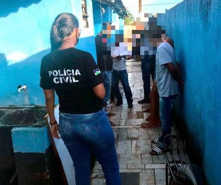 Jovem é preso suspeito de matar adolescente de 15 anos em Jaru — Foto: Polícia Civil/Divulgação