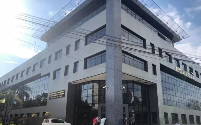 Sede da Polícia Federal em Goiânia, onde Marconi Perillo passou a noite — Foto: Paula Resende/G1