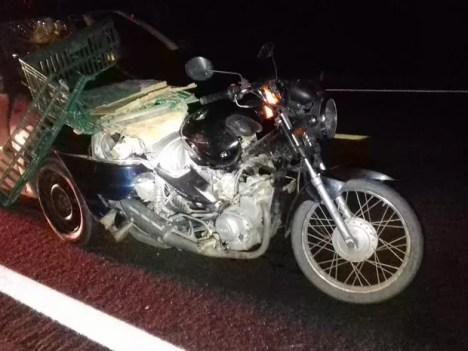 Acidente entre carro e moto na BR-407 em Petrolina, PE (Foto: Divulgação / Polícia Rodoviária Federal)