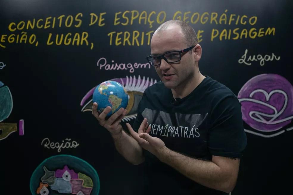 Videoaulas seguem conteúdo da Base Nacional Comum Curricular (BNCC) e podem servir de complemento às aulas dos professores — Foto: Fundação Roberto Marinho/Divulgação