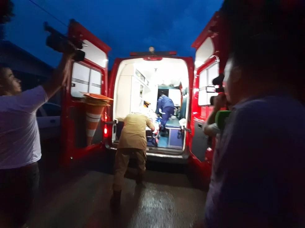 Morador foi levado para o hospital — Foto: Divulgação