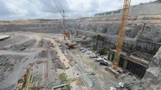 Belo Monte terá potência instalada de 11.233 MW, o que a torna a terceira maior hidrelétrica do mundo (Foto: ABr/BBC)