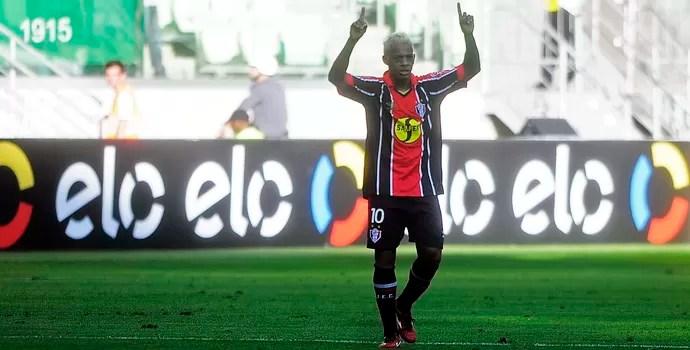 Marcelinho Paraíba Joinville (Foto: Marcos Ribolli)