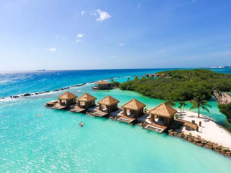 Vista do Renaissance Aruba Resort & Casino; hotel onde senador Acir Gurgacz  deve ficar hospedado — Foto: Divulgação