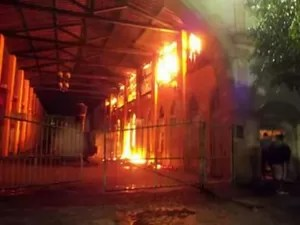 Parte onde ficam lojas foi mais atingida no Centro Cultural de Nazaré, na Bahia (Foto: Marcus Augusto/ Site Voz da Bahia)