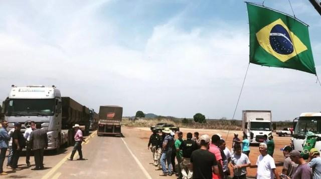 KM 1055 da BR-164, em Guarantã do Norte (MT) foi desbloqueado pela polícia — Foto: PRF-MT