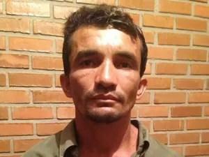 Adoan da Silva Santos, de 36 anos, é suspeito de assassinar policial civil a golpes de facão (Foto: Divulgação/PM-TO)