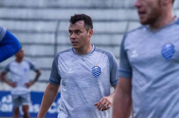 Renato Cajá espera evoluir com o time — Foto: Augusto Oliveira/CSA