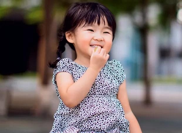 menina;comer;japonesa (Foto: Getty Images)