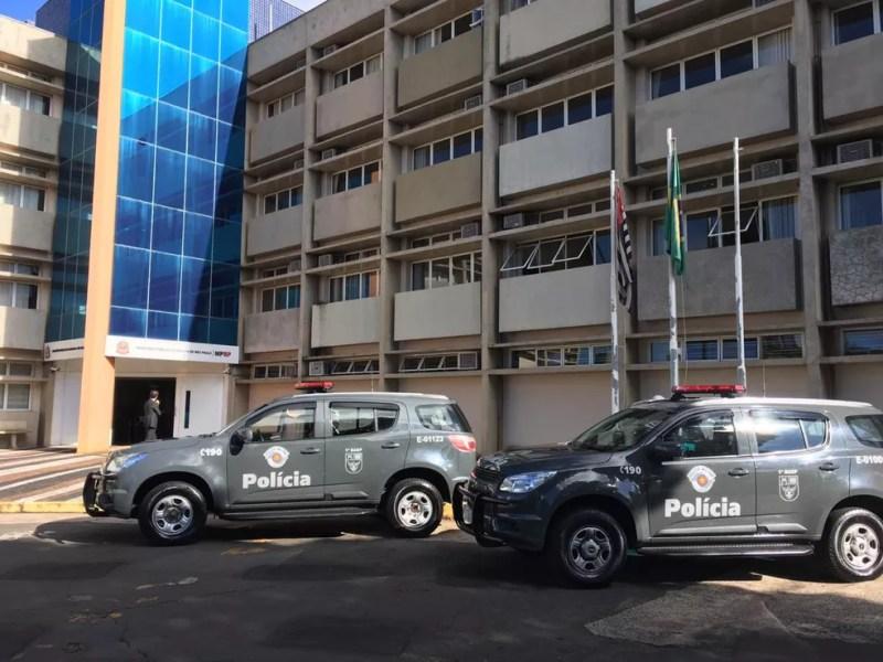 Mandados de prisão e apreensão são cumpridos em operação contra fraudes fiscais na região — Foto: Divulgação/Polícia Militar