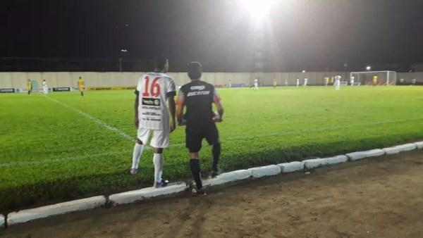 Goleiro reserva do time assumiu a posição de Maranhão após ele se machucar em campo (Foto: Karina Quadros/Rede Amazônica)