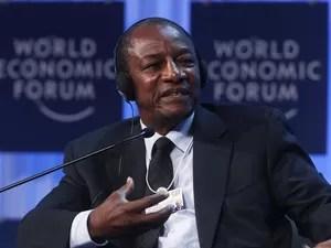 Presidente da Guiné, Alpha Conde, durante sessão do Fórum Econômico Mundial, em Davos. (Foto: Christian Hartmann/Reuters)