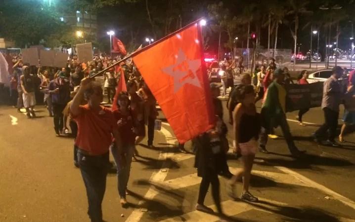 protestos, manifestantes, Goiânia, Goiás, Presidente, democracia, Dilma, contra golpe