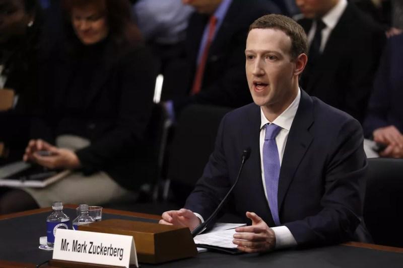 Mark Zuckerberg, presidente do Facebook, presta depoimento ao Senado americano — Foto: Reuters
