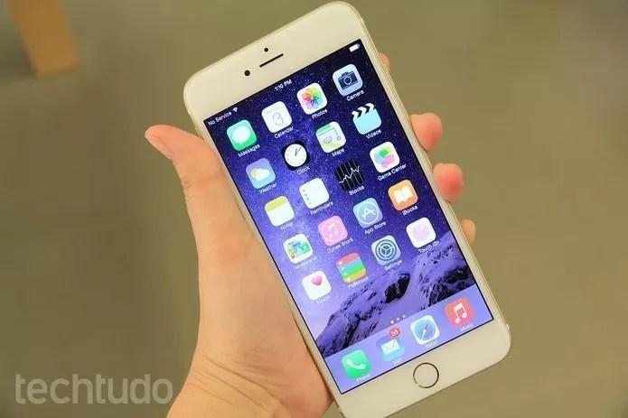 iPhones a partir do 4 usam tela Retina (Foto: Foto: Anna Kellen/TechTudo)