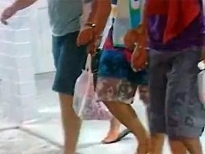 Três adolescentes suspeitos são levados para abrigo provisório (Foto: Reprodução/TV Paraíba)
