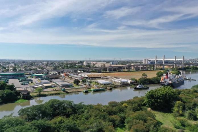 O Gás Liquefeito de Petróleo (GLP) será trazido de navio para o Brasil pela Copagaz — Foto: Cláudio Veríssimo