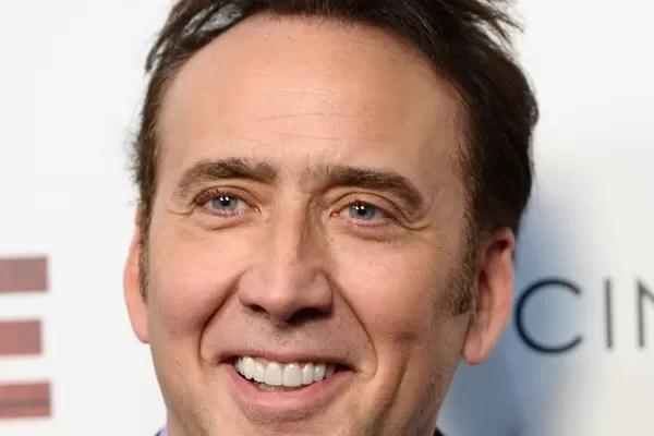 Nicolas Cage: O ator já faturou mais de 150 milhões de dólares em sua carreira, mas gastou grande mais do que podia comprando mansões, castelos, iates, jatos, frotas de carros exóticos e outros itens de luxo. Em 2012, ele disse à revista People que deve (Foto: Getty Images)