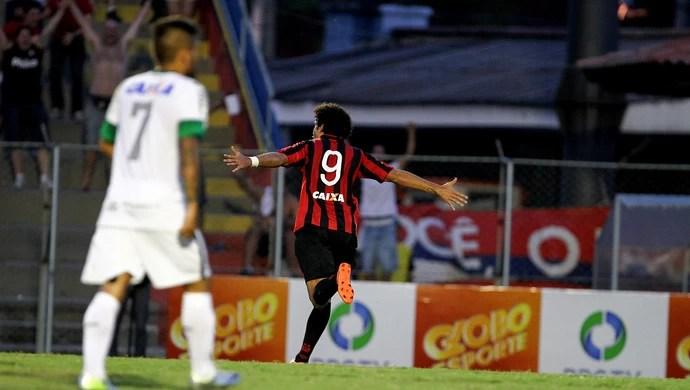 Bruno Mendes atlético-pr gol coritiba (Foto: Geraldo Bubniak / Agência Estado)