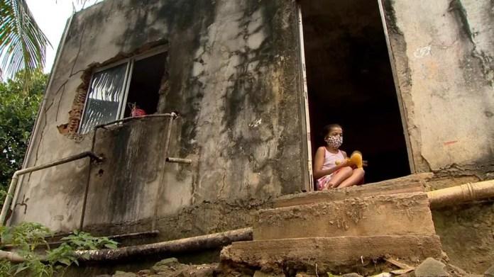 Família vive em extrema pobreza no ES — Foto: Reprodução/ TV Gazeta