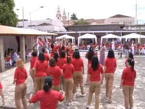 Casamento cadeia tremembé (Foto: Reprodução/TV Vanguarda)