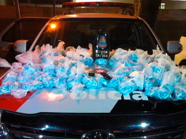 Homem é preso com 9,7 Kg de cocaína na zona sul de São José, SP (Foto: Divulgação/ Polícia Militar)