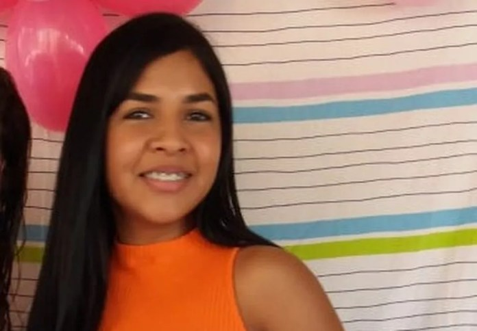 Johnliane Souza foi atropela e morta quando seguia para o trabalho na manhã do dia 6 de agosto do ano passado — Foto: Arquivo da família