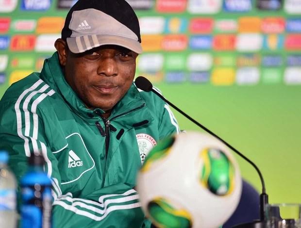 Stephen Keshi coletiva Nigéria (Foto: Marcos Ribolli / Globoesporte.com)
