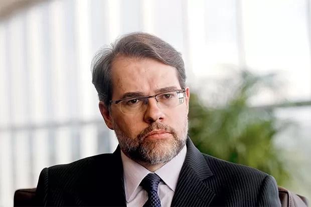 SEM CONVERSA O ministro Dias Toffoli, relator do caso. Ele diz que não falou com Gilmar Mendes sobre a prisão do governador (Foto: Alan Marques/Folhapress)