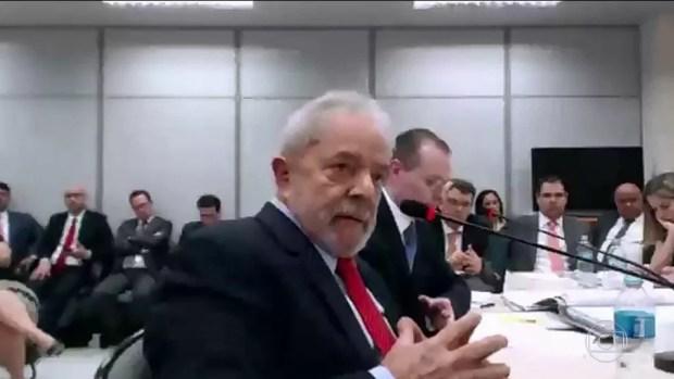 Em interrogatório, Lula diz que não pagou por reformas porque não era dono do sítio em Atibaia — Foto: JN
