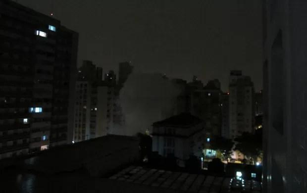 Foguetório em São Paulo, Santos x Corinthians (Foto: Gustavo Serbonchini / Globoesporte.com)