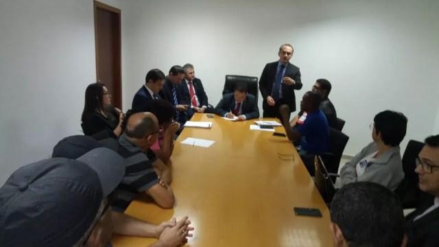 Sintep e deputados encaminham proposta a governador. — Foto: Sintep-MT