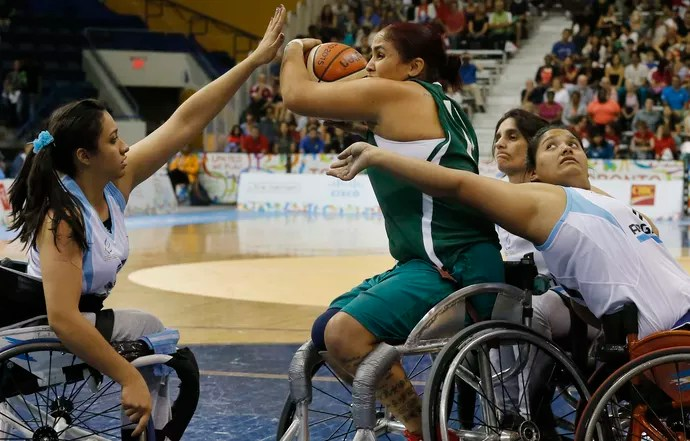 Brasil Argentina basquete cadeira de rodas feminino (Foto: Marcelo Régua/MPIX/CPB)