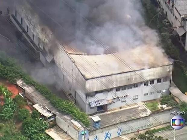 Incêndio em Osasco (Foto: Reprodução/TV Globo)