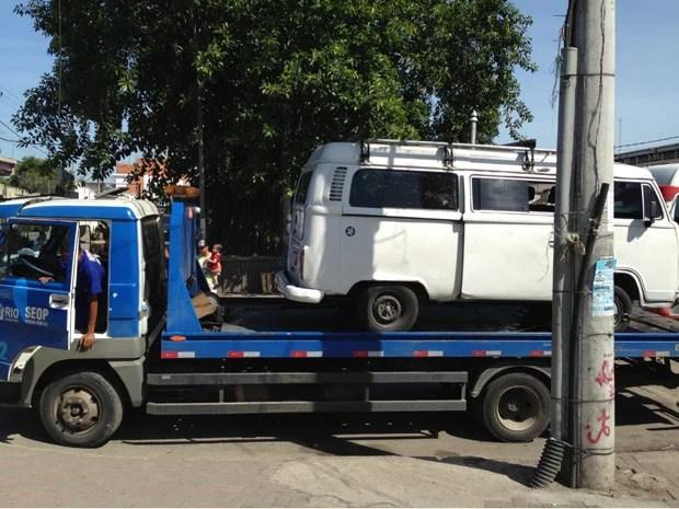 Prefeitura faz operação para combater estacionamentos irregulares. (Foto: Renata Soares/G1)